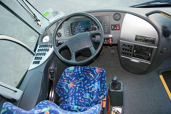 autocares-zambrano-autobus-55-a-60-plazas-cadiz-modelo-century-11