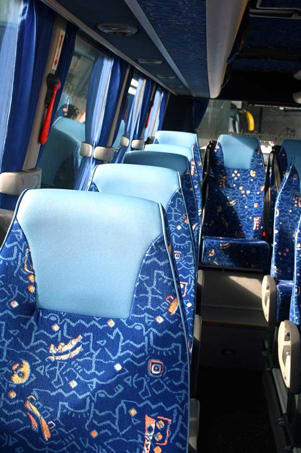 autocares-zambrano-microbus-16-plazas-cadiz-7