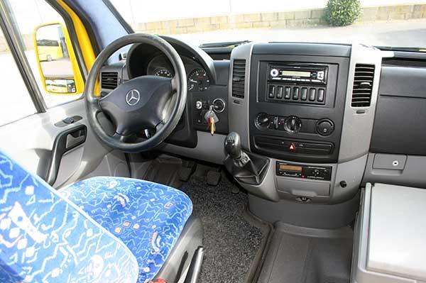 autocares-zambrano-microbus-16-plazas-cadiz-9