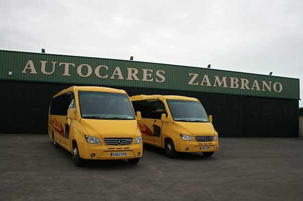 autocares-zambrano-microbus-25-a-30-plazas-cadiz-4